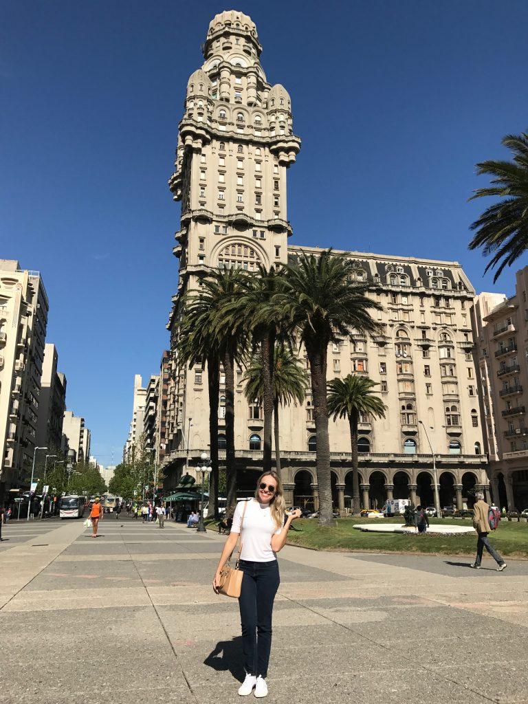 Plaza Independencia - Com Palacio Salvo atrás